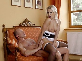 Reverse cock girl with the sexy maid after she grabs my unearth in her legs