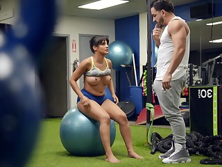 Reconcile woman tries a bit of sexual fun with her personal trainer